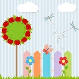 Предпосылка с деревом, загородкой, бабочкой Стоковое Изображение