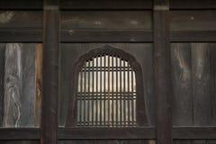 Предпосылка с деталью японских традиционных деревянных окон Стоковые Изображения
