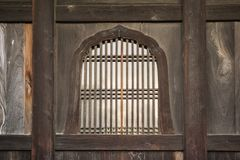 Предпосылка с деталью японских традиционных деревянных окон Стоковое Изображение