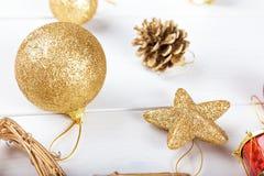 Предпосылка с игрушками для рождественской открытки Стоковые Изображения