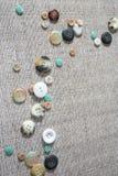 Предпосылка с много красочных multi определенных размер кнопок Стоковые Изображения