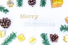 Предпосылка с подарочной коробкой золота, предпосылка рождества Нового Года Стоковое фото RF