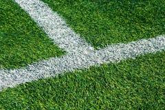 Предпосылка футбольного поля зеленой травы, взгляд сверху конца-вверх стоковое фото rf