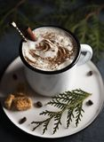Предпосылка циннамона рождественской елки какао уютная деревянная стоковые фотографии rf