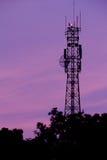 предпосылка antena над заходом солнца Стоковые Фотографии RF