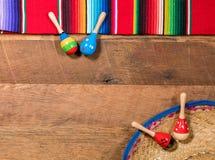 Предпосылка Cinco de Mayo на деревянных досках Стоковое фото RF