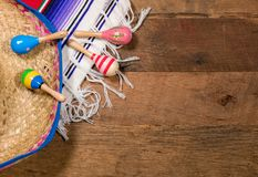 Предпосылка Cinco de Mayo на деревянных досках Стоковое Изображение