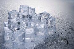 предпосылка cubes льдед над влажной Стоковые Фото