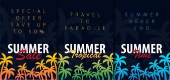 Предпосылки лета тропические установленные с ладонями Карточка приглашения рогульки плаката плаката лета взрослые молодые также в иллюстрация штока