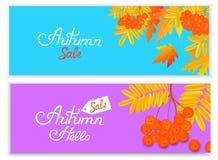 Предпосылки продажи осени с падая листьями и ягодами рябины Надпись руки Бесплатная Иллюстрация