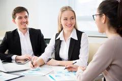Предприниматели в встрече стоковые изображения rf