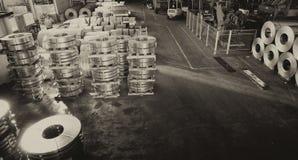 Предприятие склада промышленное Хранение стальных катушек r Стоковое Изображение