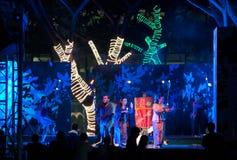 представление азиатской сотруднической танцульки восточное южное Стоковая Фотография