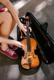 Представление классической музыки аппаратуры скрипки Стоковые Фотографии RF