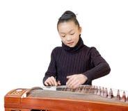 представление guzheng девушок стоковая фотография