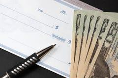 представляет счет доллар незаполненного чек свои бортовые 20 Стоковые Фото