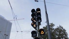 Предупредительные световые сигналы, конец вверх на ровном скрещивании в Германии видеоматериал