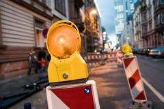 Предупредительный световой сигнал в stret стоковая фотография