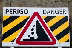 Предупреждение для падая камней утеса Стоковое Изображение RF