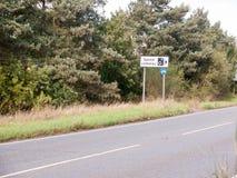 Предупреждение камеры скорости дорожного знака черно-белое Стоковое фото RF