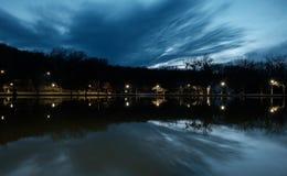 предыдущая весна озера стоковое изображение rf