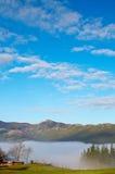 предыдущее утро ландшафта тумана Стоковое Изображение RF