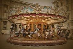 Прежний carousel в Флоренсе, Италии Винтаж Стоковое фото RF