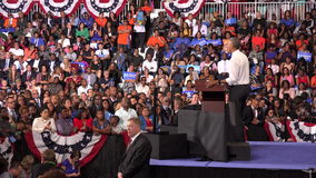 Президент встречи США Barack Obama с студентами университета мемориала Флориды акции видеоматериалы