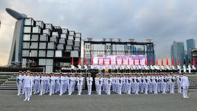 президент почетности предохранителя контингентов салютуя к Стоковое фото RF