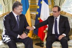 Президент Украины Petro Poroshenko и французский президент Francois Hollande Стоковая Фотография