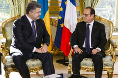 Президент Украины Petro Poroshenko и французского президента Стоковая Фотография RF