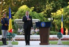 Президент Klaus Iohannis приветствует команду Qlympic румына Стоковые Фотографии RF