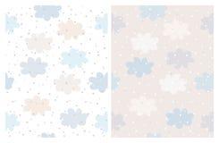 Прекрасный пастельный цвет заволакивает картины вектора Голубые и бежевые пушистые облака на белой и русой предпосылке иллюстрация вектора