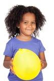 прелестная африканская девушка воздушного шара немногая желтый цвет Стоковые Фотографии RF