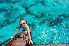 прелестная девушка меньшяя каникула стоковое фото