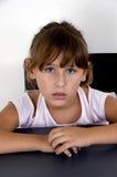 прелестная девушка смотря портрет ся вы Стоковая Фотография RF