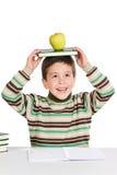 прелестное яблоко записывает ребенка изучая th Стоковое фото RF