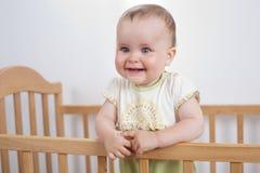 Прелестно ребенок в шпаргалке Стоковое фото RF