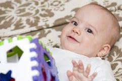 Прелестный играть младенца Стоковая Фотография RF