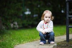 прелестный малыш парка осени стоковое фото