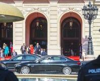 Премьер-министр Volker Bouffier выходит официальное чествование a Стоковое фото RF