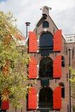 Преобразованный жилой дом склада в Амстердаме стоковые изображения