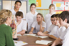 преподаватель точных наук ребенокев школьного возраста типа Стоковое Изображение RF