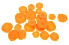 Прерванные изолированные куски моркови стоковые изображения rf