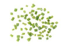 Прерванные свежие зеленые луки изолированные на белой предпосылке Стоковое фото RF