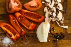 Прерванный томат, болгарский перец, лук, гриб Стоковые Изображения