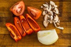 Прерванный томат, болгарский перец, лук, гриб Стоковые Фотографии RF