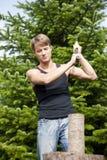 прерывающ сад его древесина человека Стоковая Фотография