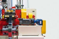Пресса высокой технологии и точности автоматические или машина формировать металлического листа крена для промышленных работ с ко стоковое фото rf