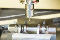 Прессформа подвергая механической обработке разбивочного вырезывания CNC Стоковые Фото